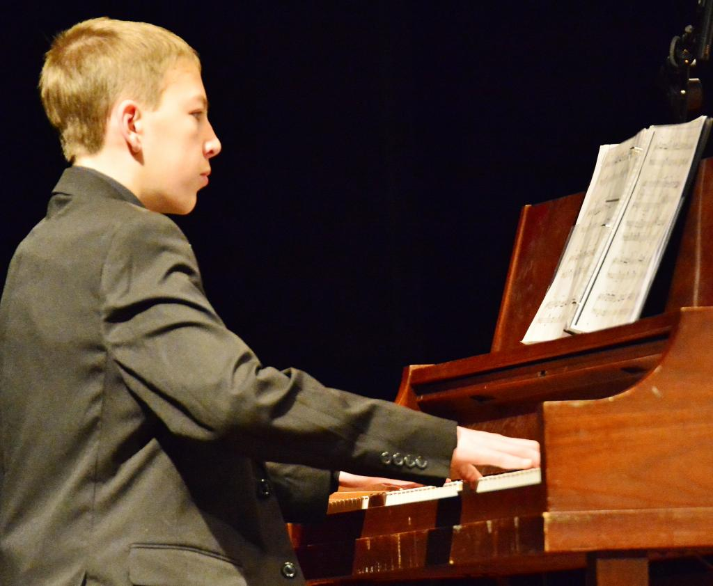 Pianist Timothy Conner solos during a tune.