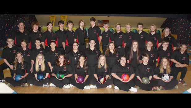 2017-2018 Harlan Community Girls & Boys Bowling Teams